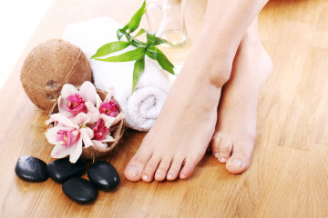 beautiful-legs-different-spa-items