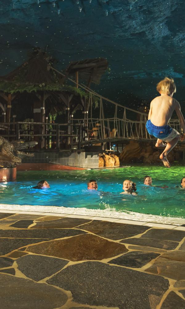 Kids-Preston-Palace-Zwembad