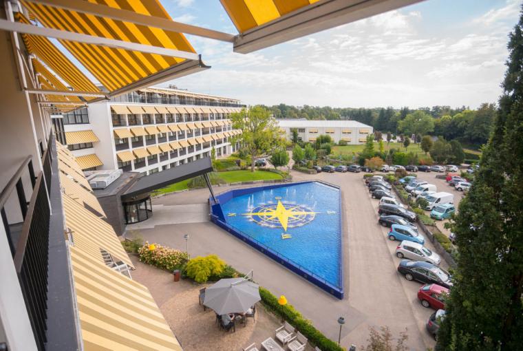 WEB-Balkon-Hotelkamer-3e-etage-uitzicht